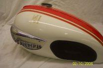 1966 Triumph Bonneville T120R Alaskan White/Grenadier Red